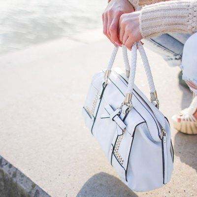 How To Organize & Simplify Your Handbag