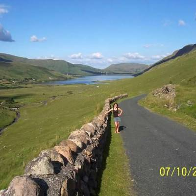 How Being Organized & Living Simply Allowed Me to Move to Ireland at 19