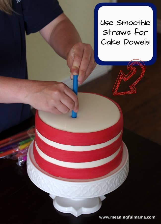 1-how to tier a cake dowels