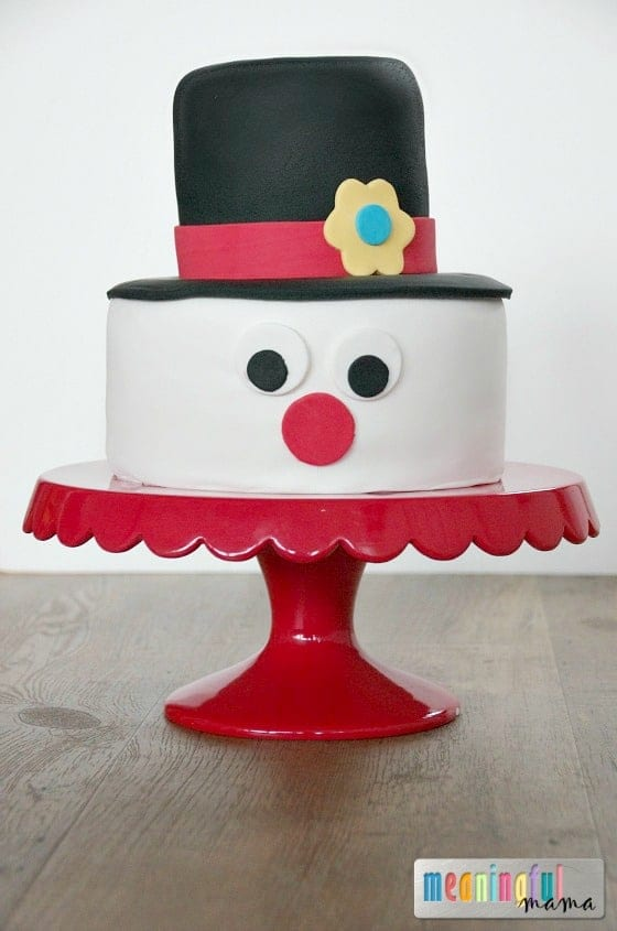 Snowman Cake - Simple Design for Decorators just starting with fondant.