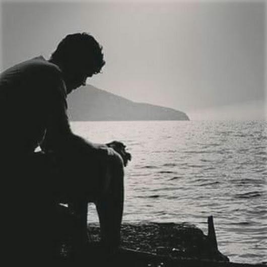 صور رجل حزين بكاء الرجال بتاثر شديد معنى الحب