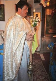 Preotul nostru tămâind