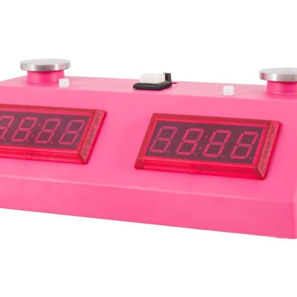 relógio digital de xadrez rosa