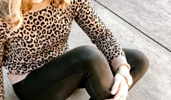 spanx-faux-leather-leggings-on-girl-sitting-down
