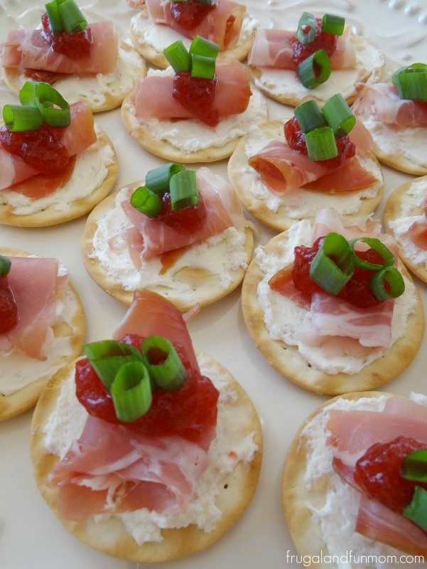 prosciutto-and-cranberry-crackers