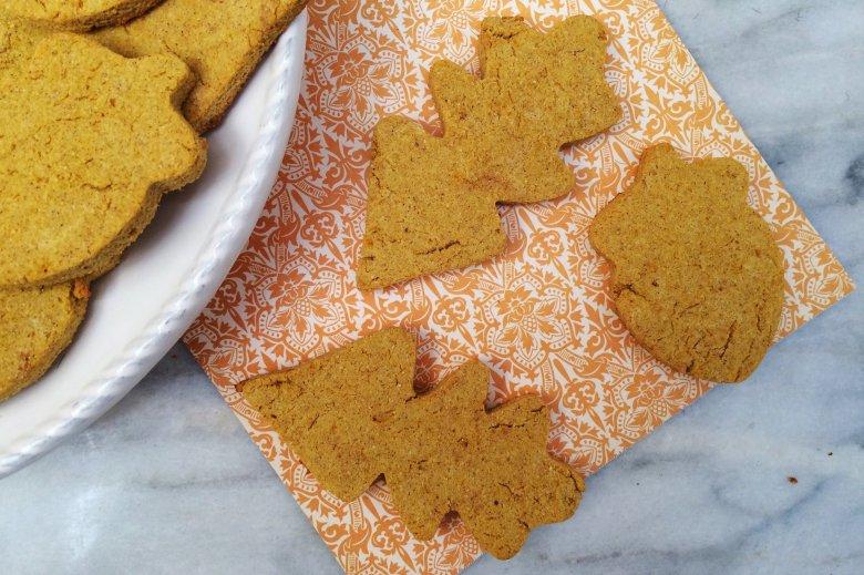 Low Carb Pumpkin Spice Shortbread | sugar free, grain free, gluten free, nut free, keto & atkins friendly