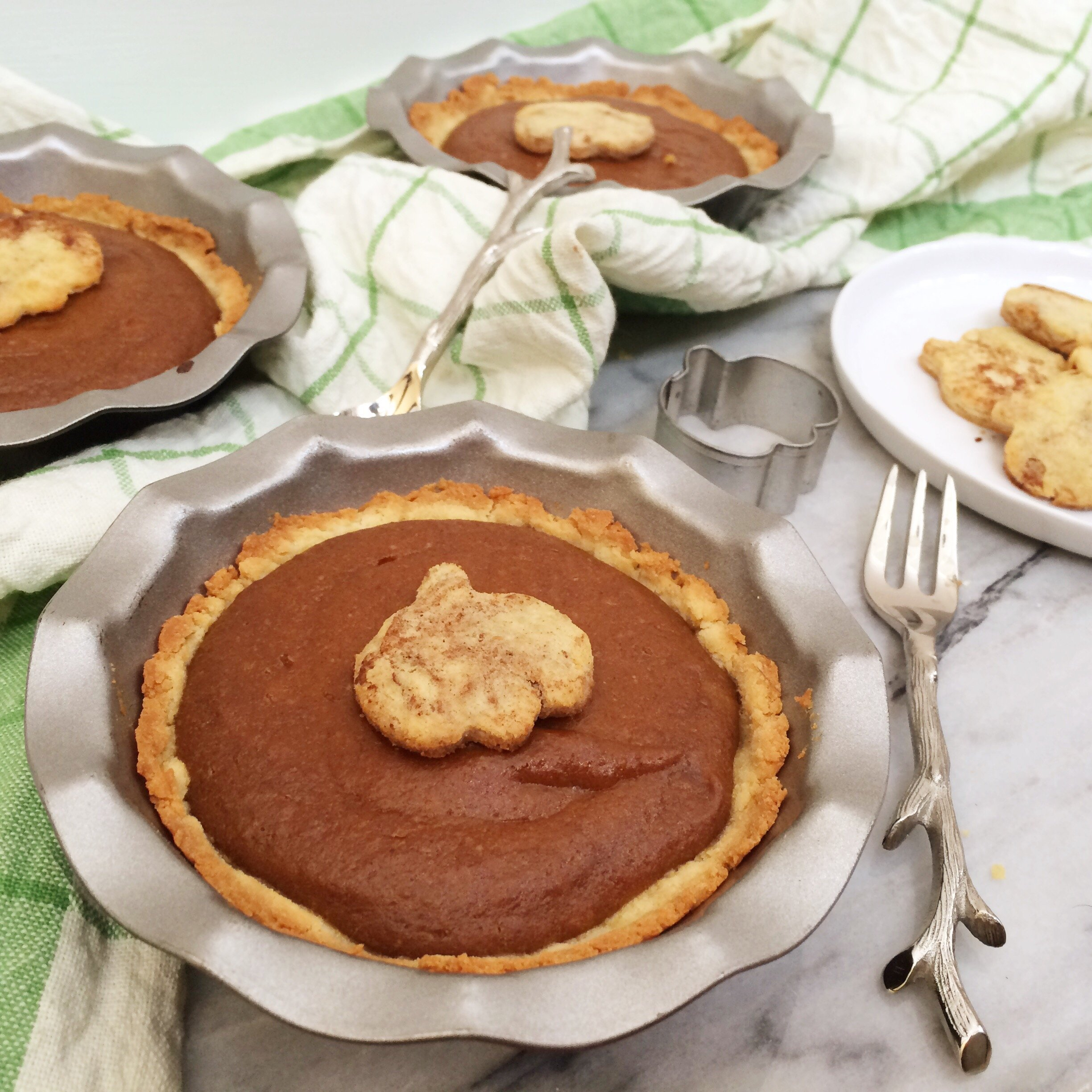 Mini Vegan Low Carb Peanut Butter Pumpkin Pies