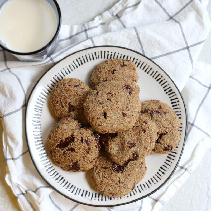 Vegan Keto Chocolate Chip Cookies (gluten-free, nut-free, soy-free)