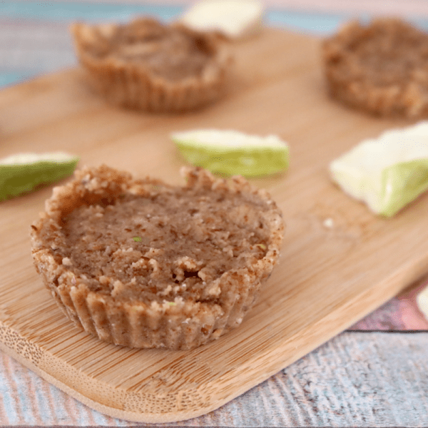 Low Carb Vegan Apple Pie Bites | Meat Free Keto - These low carb vegan apple pie bites are full of medium chain triglycerides and omega-3 fatty acids! Plus, they're keto friendly and super easy to make - a perfect dessert to bring to a vegan keto Thanksgiving feast!
