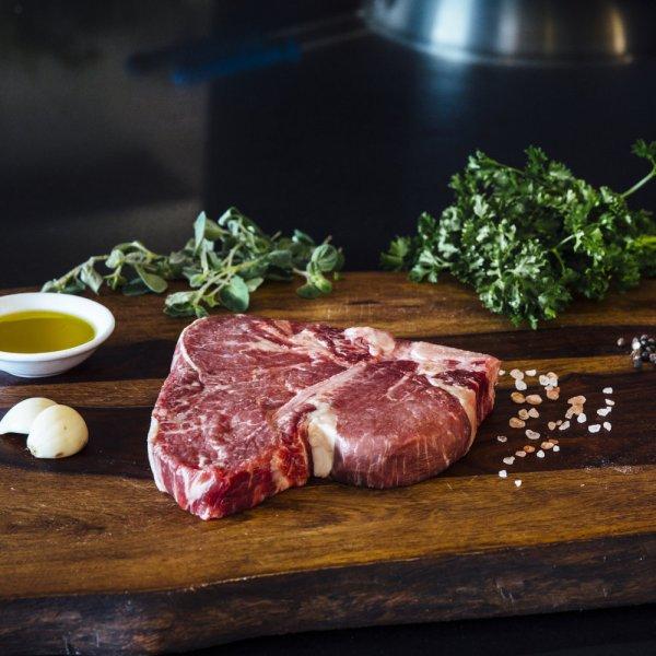 1 (28oz) Porterhouse Steak Dry Age Signature-379