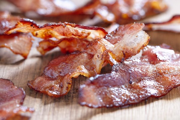 1 (16oz) All Natural Applewood Bacon 16/18-0