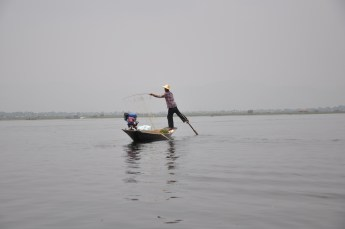Rowing ANF fishing: Multitasking Inle Style!