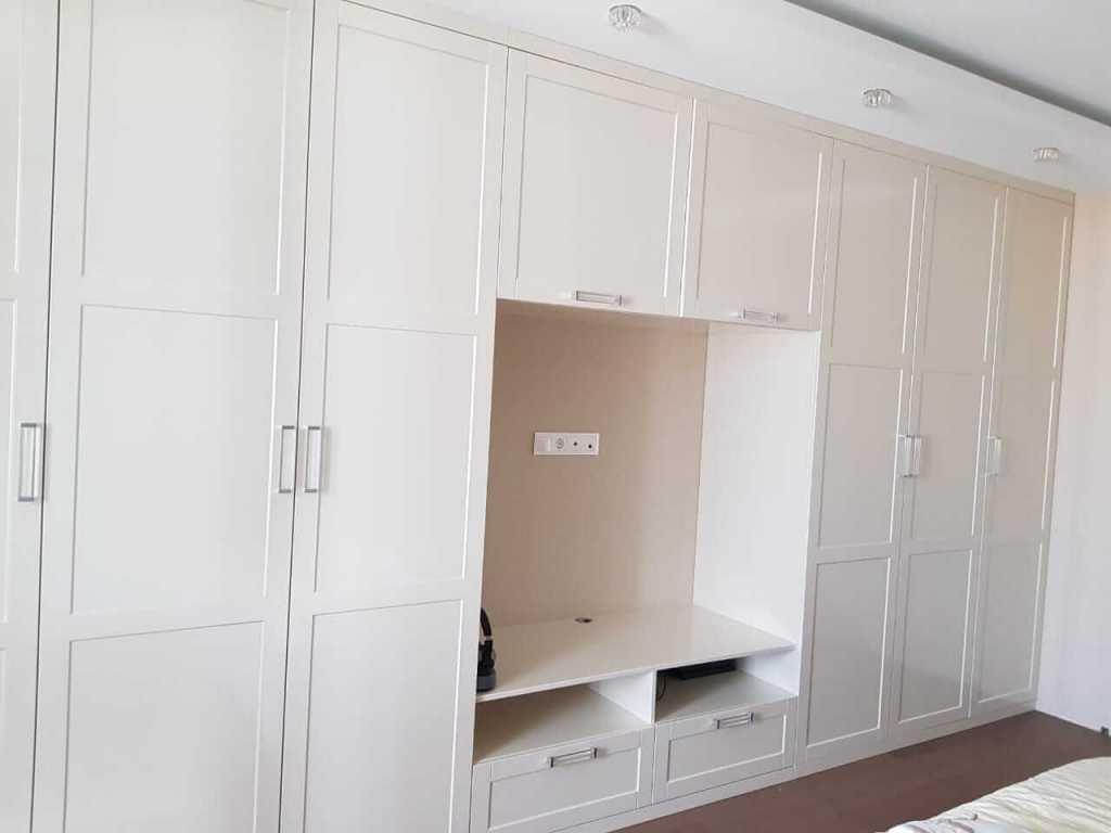 шкаф в спальню современная классика