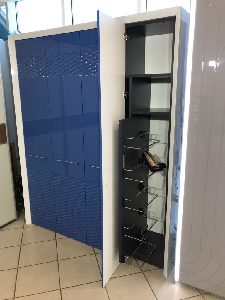Синий шкаф с фрезеровкой фото 5
