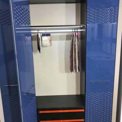Синий шкаф с фрезеровкой фото 9