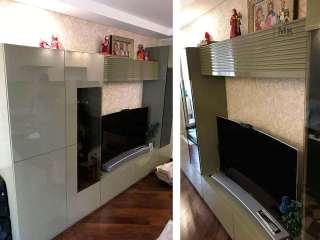 глянцевая оливковая гостиная в стиле модерн