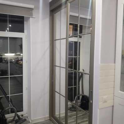Шкаф купе зеркальный с классической раскладкой, покрытие эмаль