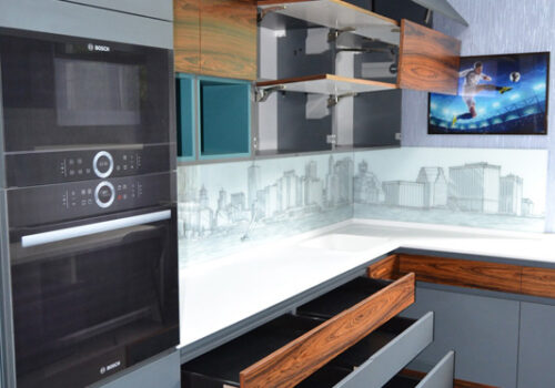 Кухня модерн, хай-тек