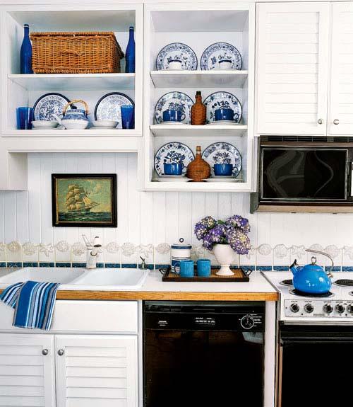 Разноцветные аксессуары украсят кухню