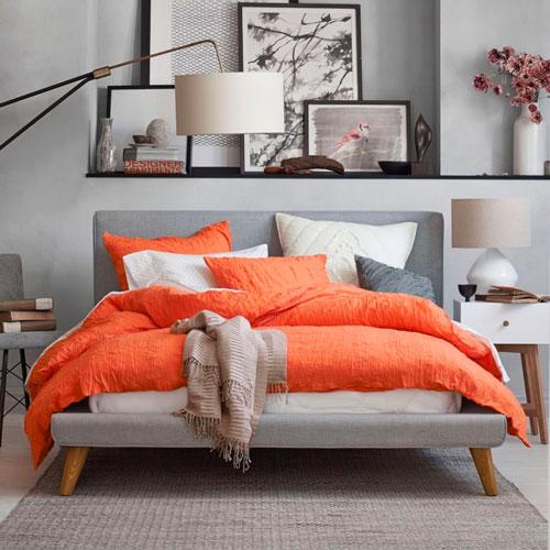 Хорошей идеей является сочетать серый цвет с ярким