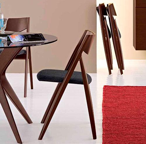 Заполнить пустое пространство квартиры можно с помощью мебели
