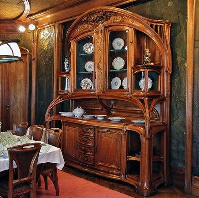 Мебель для модерна часто должна быть с изогнутыми линиями