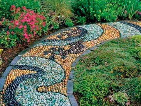 Как сделать мозаичную садовую дорожку