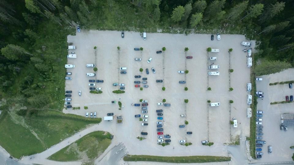 Parkeringen P3 vid Lago di Braies