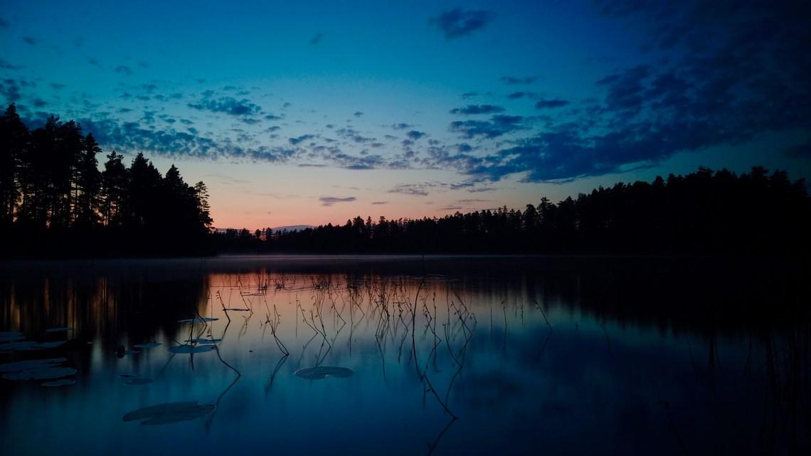 Sjön Örmalmeni solnedgång
