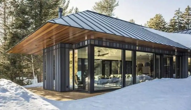 a contemporary board + batten home in the forest | @meccinteriors | design bites