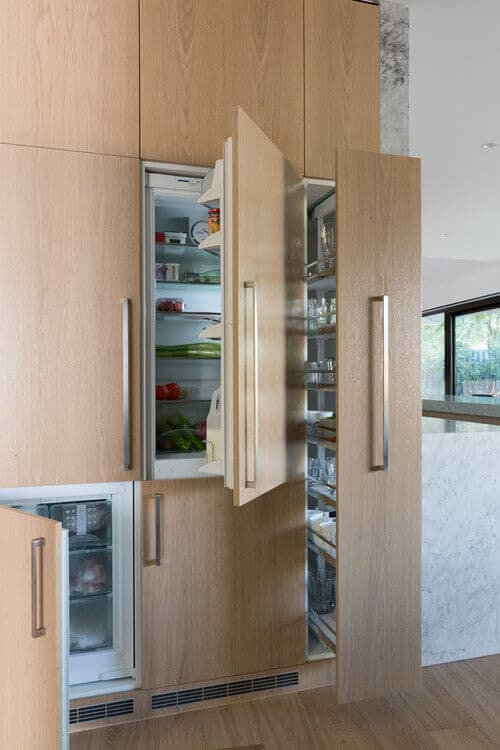 up the luxury kitchens anti with refrigeration columns | @meccinteriors |  design bites