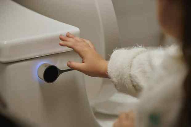 say hello to the world's smartest bathroom | @meccinteriors | design bites