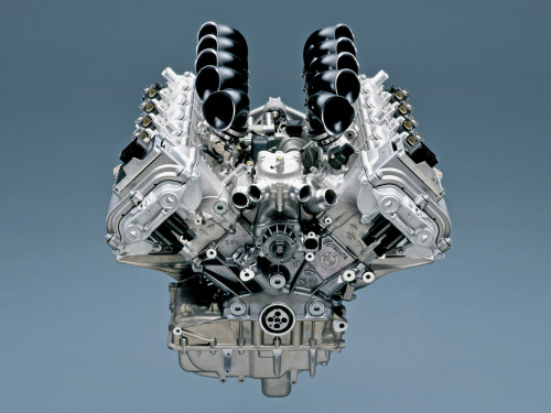 bmw-m5-e60-engine01