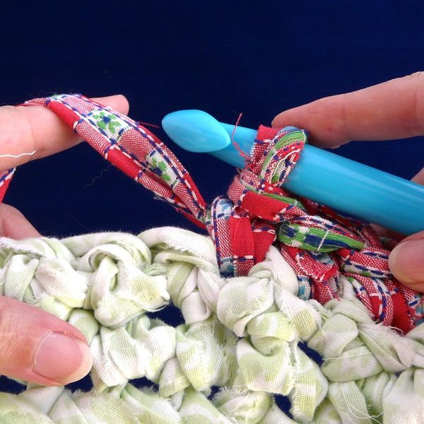 How To Make A Crochet Pattern How To Make Crocheted Rag Rugs How To Make Crocheted Rag Rugs