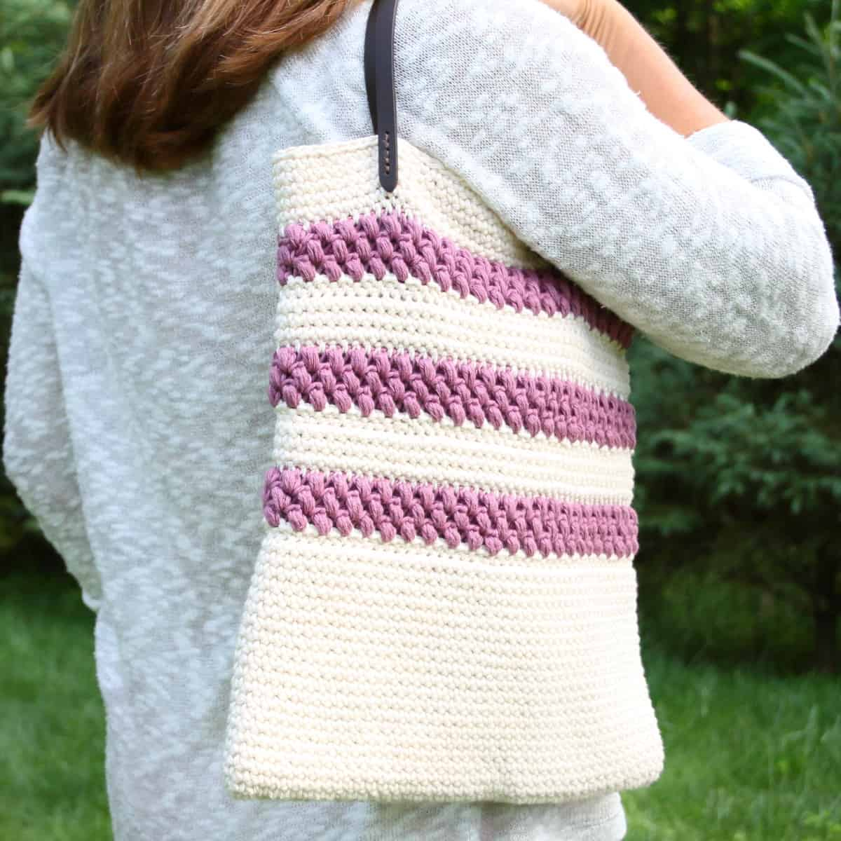 Tote Bag Patterns and Ideas that You Will Adore Crochet Tote Bag Red Clover Pattern Crochet Life