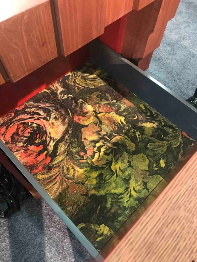 FLORAL SPARKLE DRAWER INTERIOR