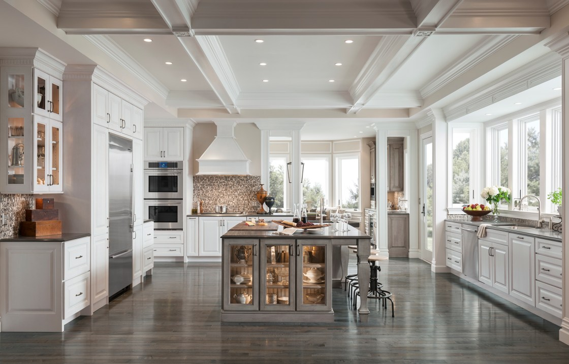 """The """"gray area"""" in a classic white kitchen – Sips and Tips"""