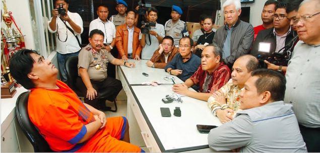 Dimas Kanjeng saat dicecar pertanyaan oleh para anggota Komisi III DPR. sumber:jawaPos
