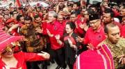 Datang ke Medan, Megawati Disambut Ribuan Kader & Tarian Adat Karo