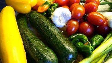 Gemuese pixabay vegetables-331638 640 2_Zucchini_Paprika_Tomaten_Knoblauch