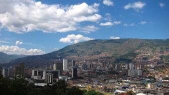 La Candelaria (Centro): A Closer Look at Downtown Medellin