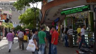 El Hueco: The Cheapest Shopping in Medellín
