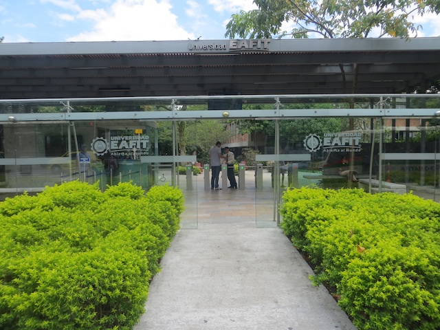 EAFIT entrance on east side of campus, close to the Languages office
