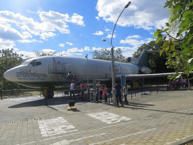 The Avión attraction at Parque Norte