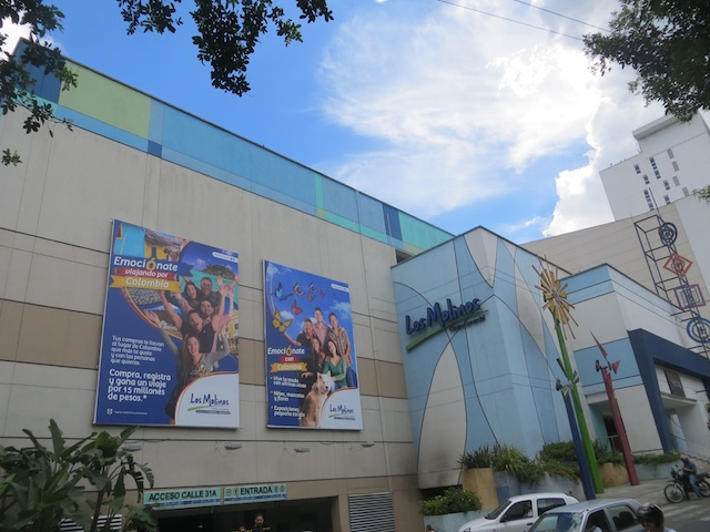 Los Molinos, Belén's only mall