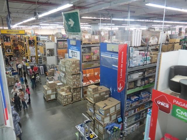 Inside HomeCenter in Los Molinos