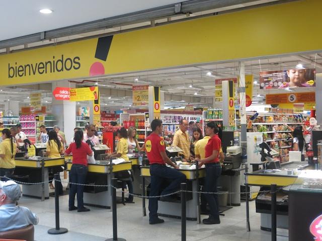 Exito supermarket in Los Molinos