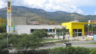 Puerta del Norte: The Largest Mall in Bello