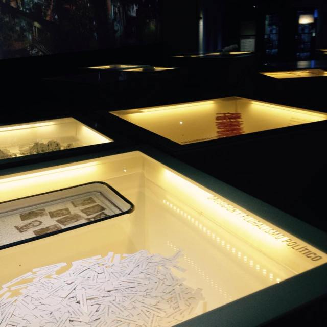 The 12 glass boxes dedicated to each stakeholder involved in the armed conflict