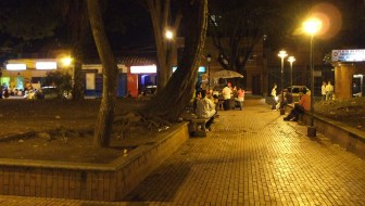 Parque Poblado: A Popular Place to Meet and Drink Outdoors